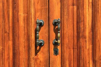 drewniane meble Jak odnowić drewniane meble?