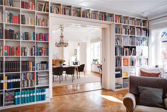 Biblioteczka wkomponowana