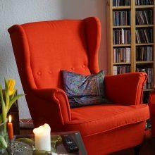 Usiądź pięknie i wygodnie, czyli najmodniejsze fotele do salonu